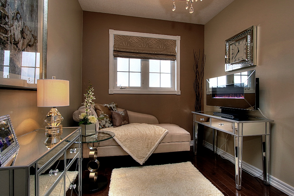york region home staging setting the stage. Black Bedroom Furniture Sets. Home Design Ideas