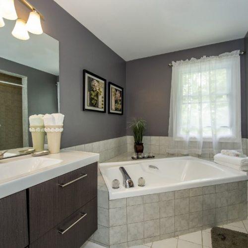 Staged Bathroom Newmarket